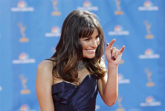"""Lea Michele bị """"ném đá"""" dù đã xin lỗi sau pha làm màu bài xích phân biệt chủng tộc - Ảnh 3."""
