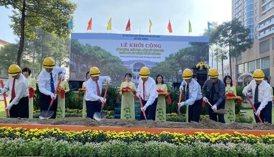 Khởi công công trình khôi phục, nâng cấp công viên trước Nhà hát TP HCM - Ảnh 2.
