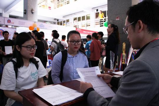 Tưng bừng Ngày hội việc làm ở Đà Nẵng - Ảnh 1.
