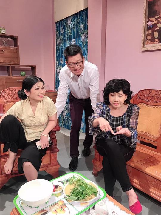 Vở cải lương hài Cơm phở lên sóng truyền hình HTV - Ảnh 1.
