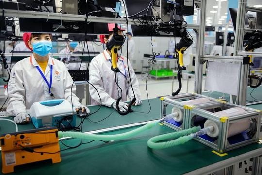 Bloomberg: Xe hơi hay máy thở Vingroup sẽ thay đổi cách thế giới nghĩ về Việt Nam - Ảnh 2.