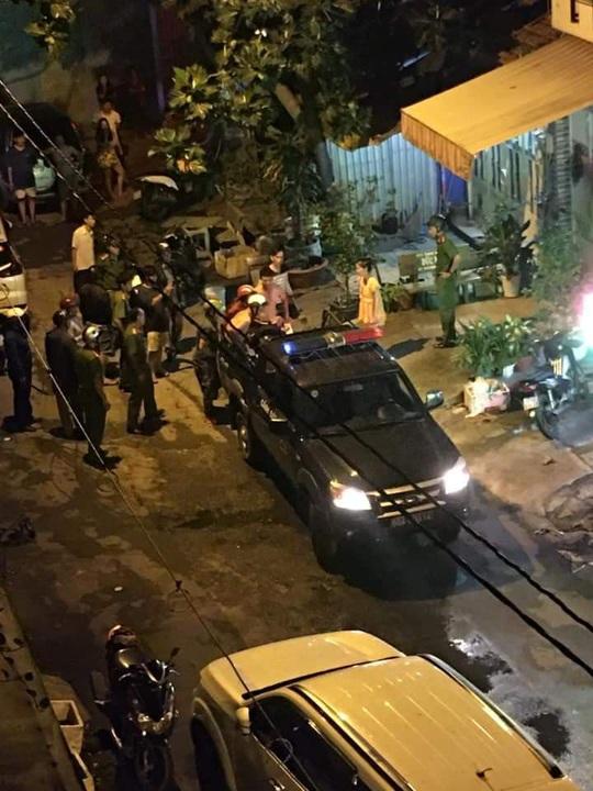 TP HCM: Công an vào cuộc vụ băng Bé Ba chém người gần lìa tay - Ảnh 1.