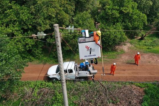 EVNSPC diễn tập phòng chống thiên tai và tìm kiếm cứu nạn - Ảnh 1.