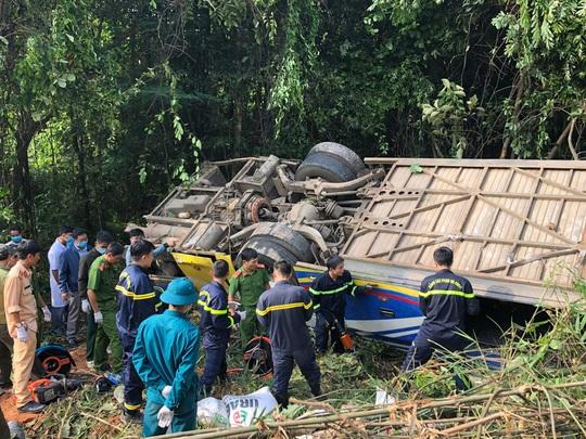Xe khách lao xuống vực ở Kon Tum: Nạn nhân thứ 6 tử vong - Ảnh 1.