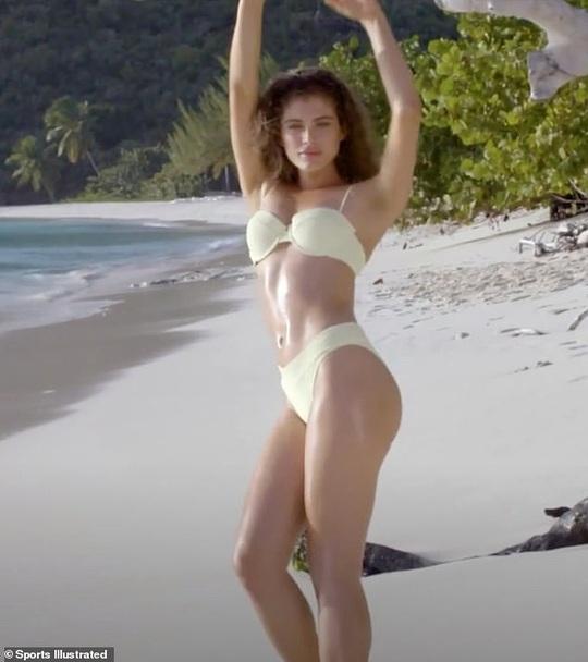 Nhan sắc người mẫu chuyển giới đầu tiên lên tạp chí áo tắm - Ảnh 4.