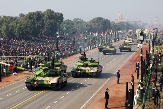 Nga, Mỹ chạy đua bán vũ khí cho Ấn Độ giữa căng thẳng với Trung Quốc - Ảnh 1.