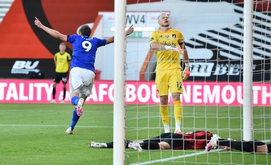 Leicester thua ngỡ ngàng Bournemouth, Man United được tiếp sức vào Top 3 - Ảnh 2.