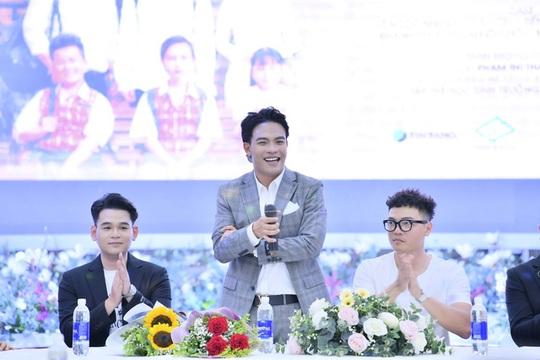 Dương Trường Giang cùng Yanbi ra mắt MV chia tay tuổi học trò - Ảnh 1.