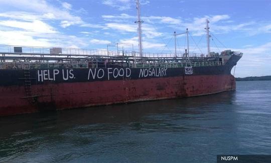 Sớm giải quyết vụ 12 thuyền viên mắc kẹt trên tàu ngoài khơi Malaysia từ tháng 3 - Ảnh 1.