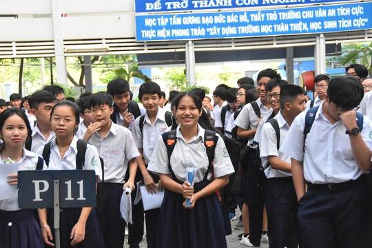 TP HCM: Nếu bắt buộc cách ly, thí sinh lớp 10 được miễn thi - Ảnh 1.