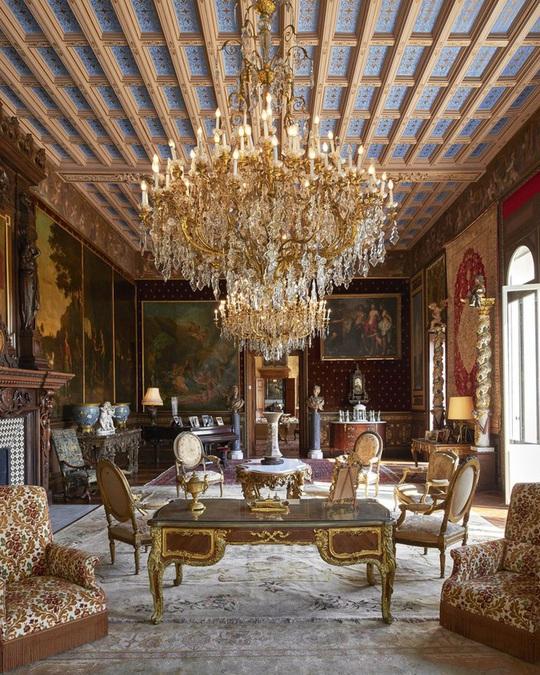 Tư dinh của nữ hoàng Anh, tỷ phú Ấn Độ và loạt nhà xa xỉ nhất thế giới - Ảnh 8.
