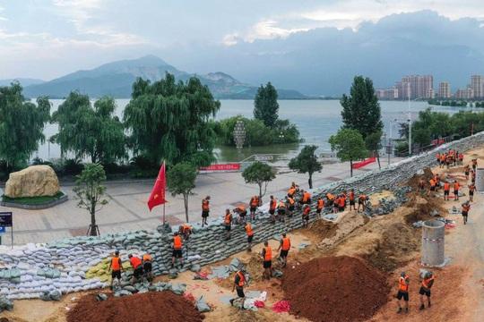 Hồ chứa Tam Hiệp sắp hứng lũ lớn, nước dâng lên hơn 155 m - Ảnh 3.