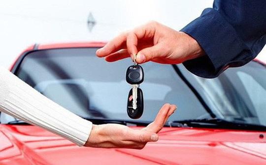 Vay nợ mua ôtô, sống bất an vì bị siết nợ, cẩu mất xe - Ảnh 2.