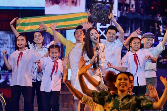 Ấn tượng chương trình nghệ thuật Tự hào thành phố mang tên Bác - Ảnh 2.