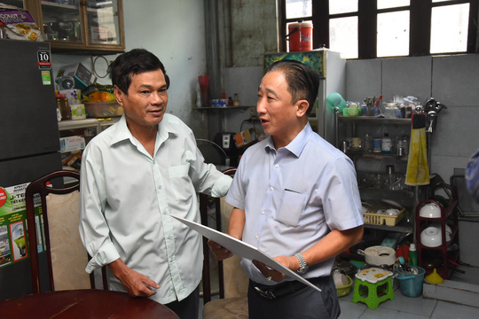 Mai Vàng nhân ái đến thăm nghệ sĩ Mai Trần và ảo thuật gia Trần Bình - Ảnh 5.