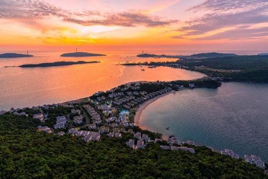 """""""Phá đảo"""" Phú Quốc hè này với loạt trải nghiệm chưa bao giờ ngon - bổ - rẻ đến vậy - Ảnh 1."""