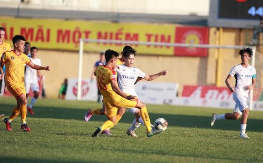 VFF họp khẩn khi 4 đội bóng cuối bảng yêu cầu kết thúc luôn V-League - Ảnh 3.