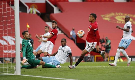 Thần đồng giải cứu, Man United bay thẳng Top 3 Ngoại hạng - Ảnh 1.