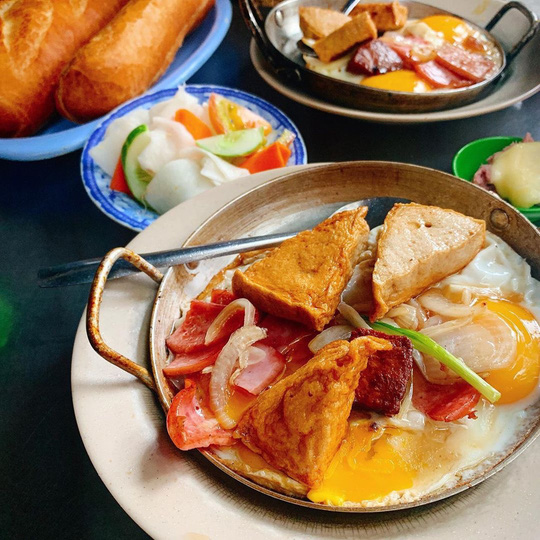 Những quán ăn lâu đời nổi tiếng ở TP HCM - Ảnh 1.