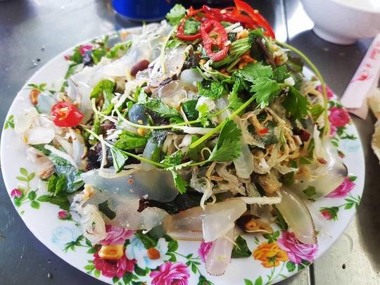 Cua huỳnh đế và loạt món ngon nên thử trên đảo Lý Sơn - Ảnh 12.