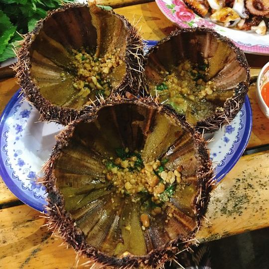 Cua huỳnh đế và loạt món ngon nên thử trên đảo Lý Sơn - Ảnh 5.