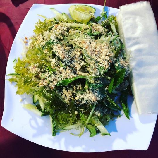 Cua huỳnh đế và loạt món ngon nên thử trên đảo Lý Sơn - Ảnh 7.