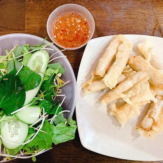 Cua huỳnh đế và loạt món ngon nên thử trên đảo Lý Sơn - Ảnh 10.