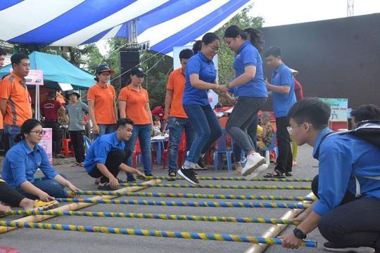 Hơn 1.000 công nhân tham gia ngày hội dùng hàng Việt - Ảnh 1.