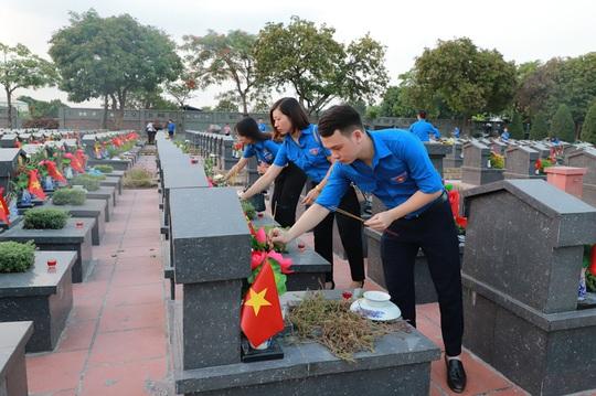 Tuổi trẻ Agribank thực hiện các hoạt động tri ân nhân dịp kỷ niệm ngày thương binh liệt sỹ 27-7 - Ảnh 3.