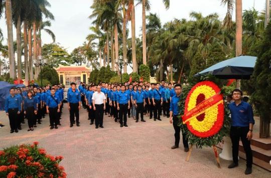 Tuổi trẻ Agribank thực hiện các hoạt động tri ân nhân dịp kỷ niệm ngày thương binh liệt sỹ 27-7 - Ảnh 1.