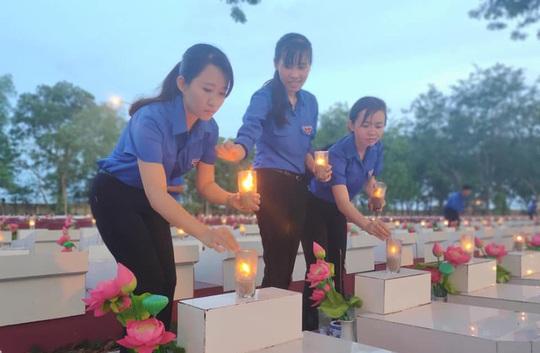 Tuổi trẻ Agribank thực hiện các hoạt động tri ân nhân dịp kỷ niệm ngày thương binh liệt sỹ 27-7 - Ảnh 7.