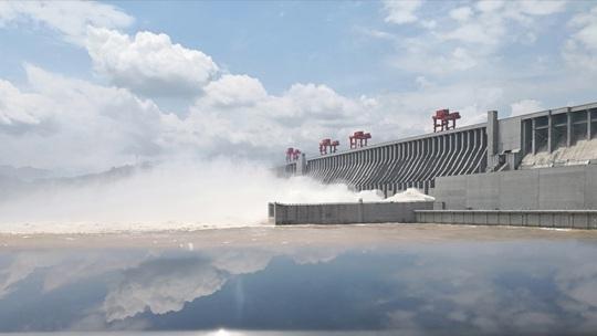 Lượng nước xả ra từ đập Tam Hiệp đạt mức kỷ lục - Ảnh 2.
