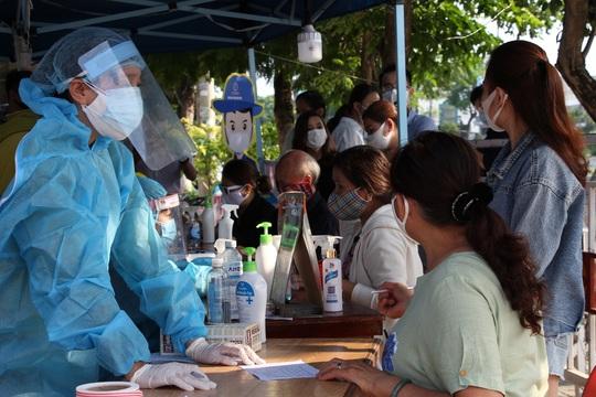 Đà Nẵng: 24 giờ phát động, hơn 5.400 thanh niên tự nguyện tham gia tuyến đầu chống dịch - Ảnh 3.