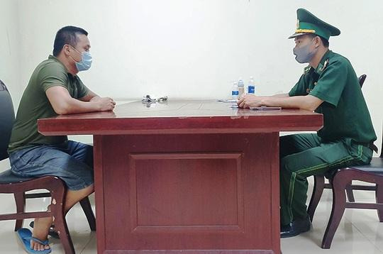 Quảng Bình: Phát hiện 1 đôi nam, nữ trốn kiểm soát vượt biên trái phép sang Lào - Ảnh 1.