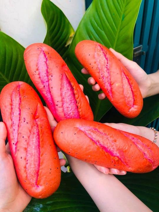Bánh mì đen như than và những kiểu độc lạ chỉ có ở Việt Nam - Ảnh 5.