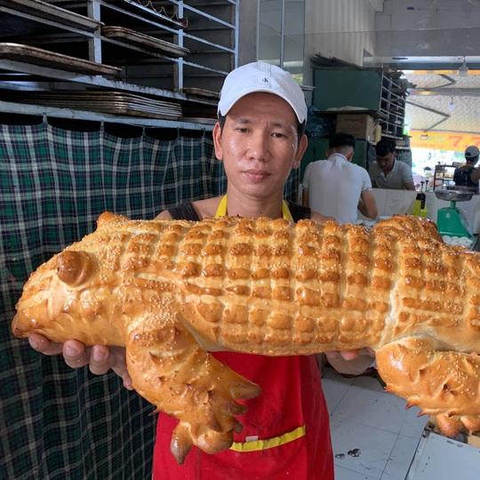 Bánh mì đen như than và những kiểu độc lạ chỉ có ở Việt Nam - Ảnh 9.