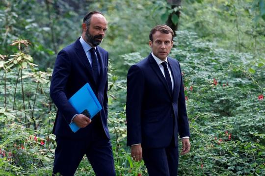 NÓNG: Thủ tướng Pháp từ chức, lộ diện người thay thế - Ảnh 1.