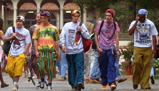 Những xu hướng thời trang từ thập niên 90 đến nay vẫn hot - Ảnh 2.