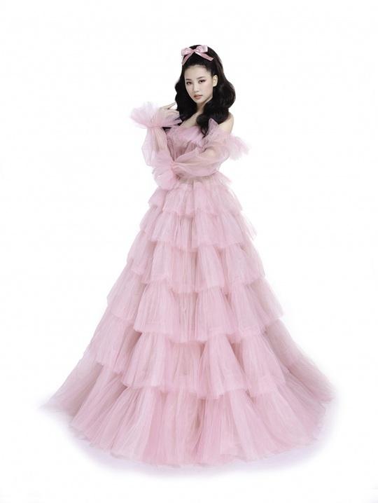 Ngắm 5 mỹ nhân Việt diện váy công chúa - Ảnh 1.