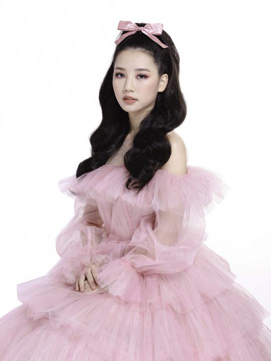 Ngắm 5 mỹ nhân Việt diện váy công chúa - Ảnh 2.