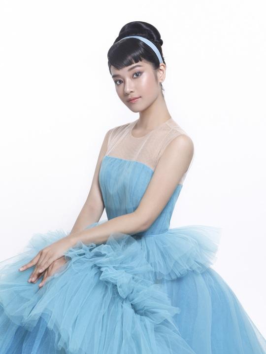 Ngắm 5 mỹ nhân Việt diện váy công chúa - Ảnh 4.