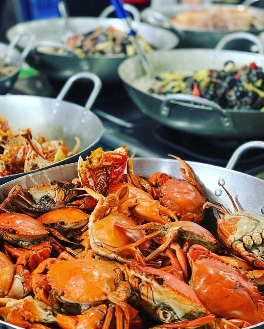 Chợ Hàng Dương và những thiên đường hải sản tươi ngon ở TP HCM - Ảnh 4.