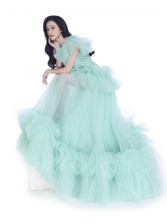 Ngắm 5 mỹ nhân Việt diện váy công chúa - Ảnh 6.