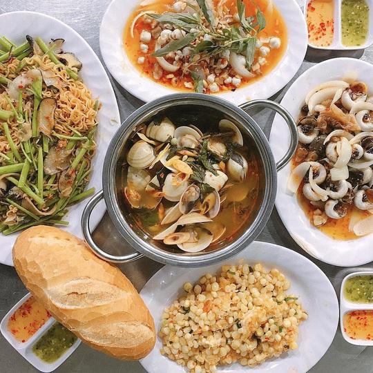 Chợ Hàng Dương và những thiên đường hải sản tươi ngon ở TP HCM - Ảnh 8.