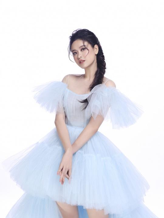 Ngắm 5 mỹ nhân Việt diện váy công chúa - Ảnh 9.