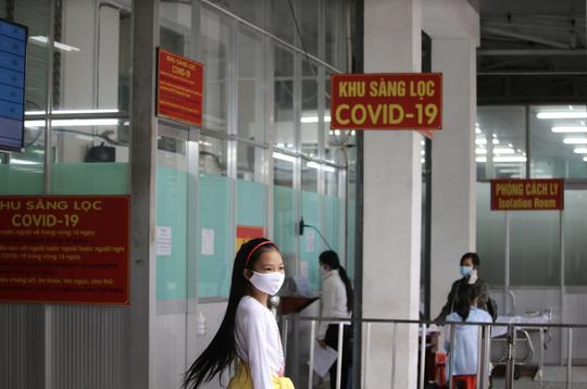 [Video]: Bệnh viện Chợ Rẫy hoạt động bình thường trong dịch Covid-19 - Ảnh 5.