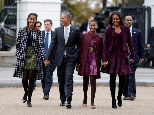 Ông Obama hiện giàu gấp 30 lần so với khi còn làm tổng thống Mỹ - Ảnh 1.