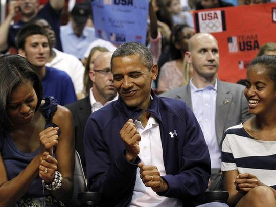 Ông Obama hiện giàu gấp 30 lần so với khi còn làm tổng thống Mỹ - Ảnh 2.