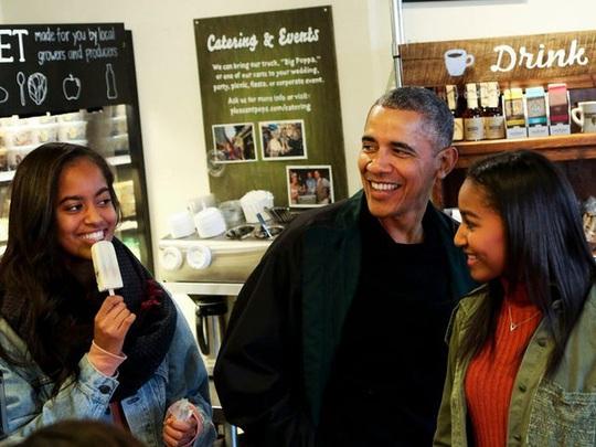 Ông Obama hiện giàu gấp 30 lần so với khi còn làm tổng thống Mỹ - Ảnh 3.