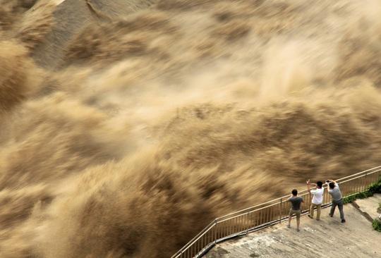 Lũ lên cao, Trung Quốc gồng mình hứng thêm đợt mưa lớn mới - Ảnh 5.